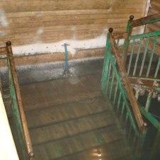 Bajé por estas escaleras