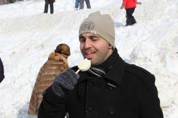 Comiendo un helado